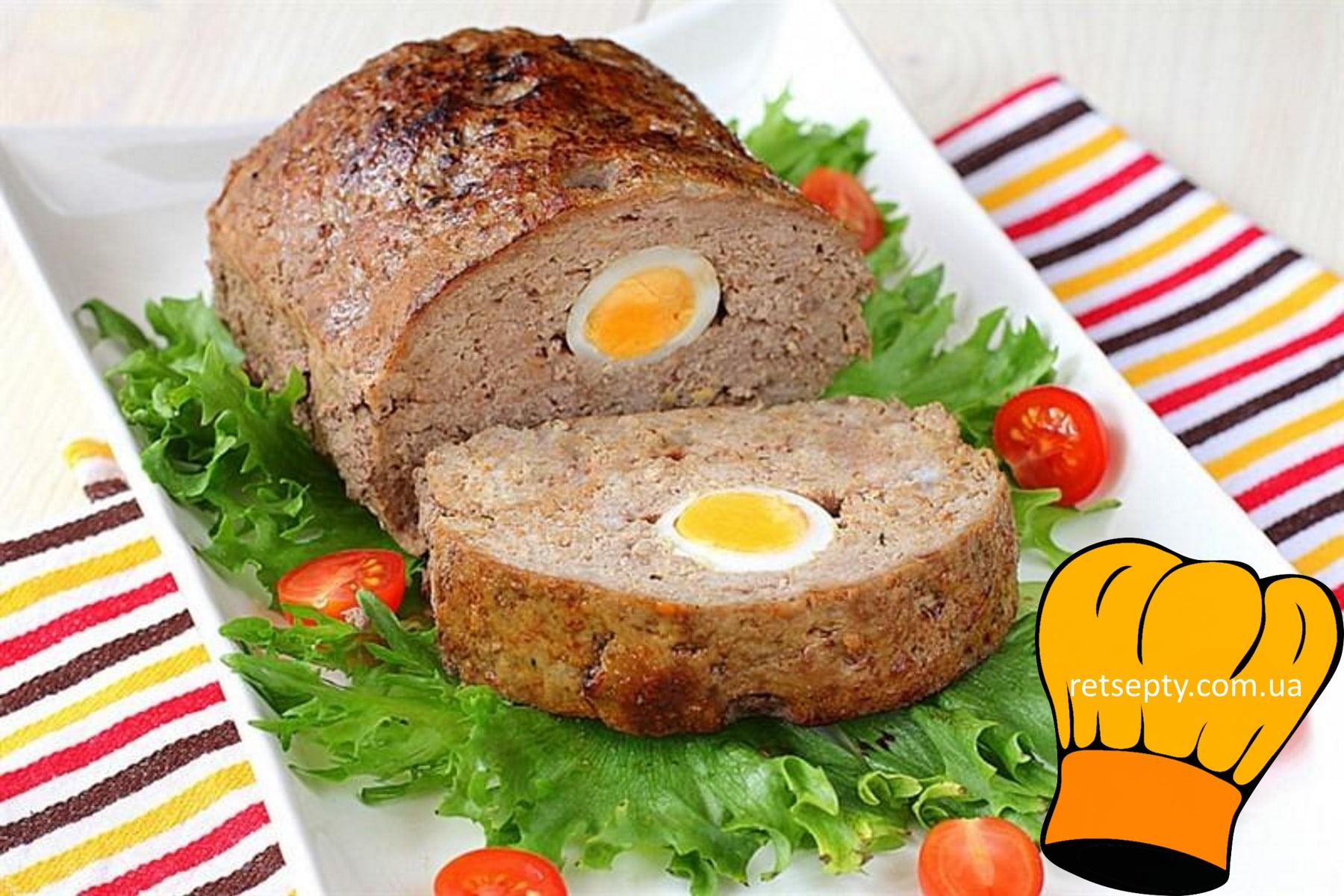 М'ясний рулет з яйцем і морською капустою