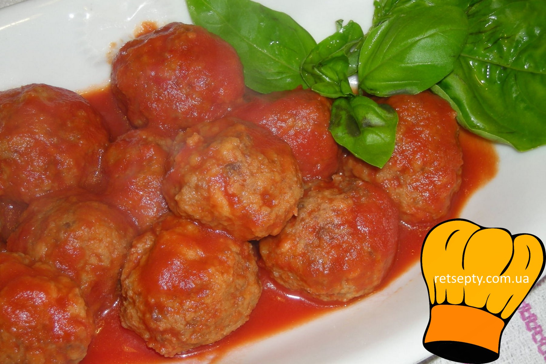 Рибні тефтелі в томатному соусі
