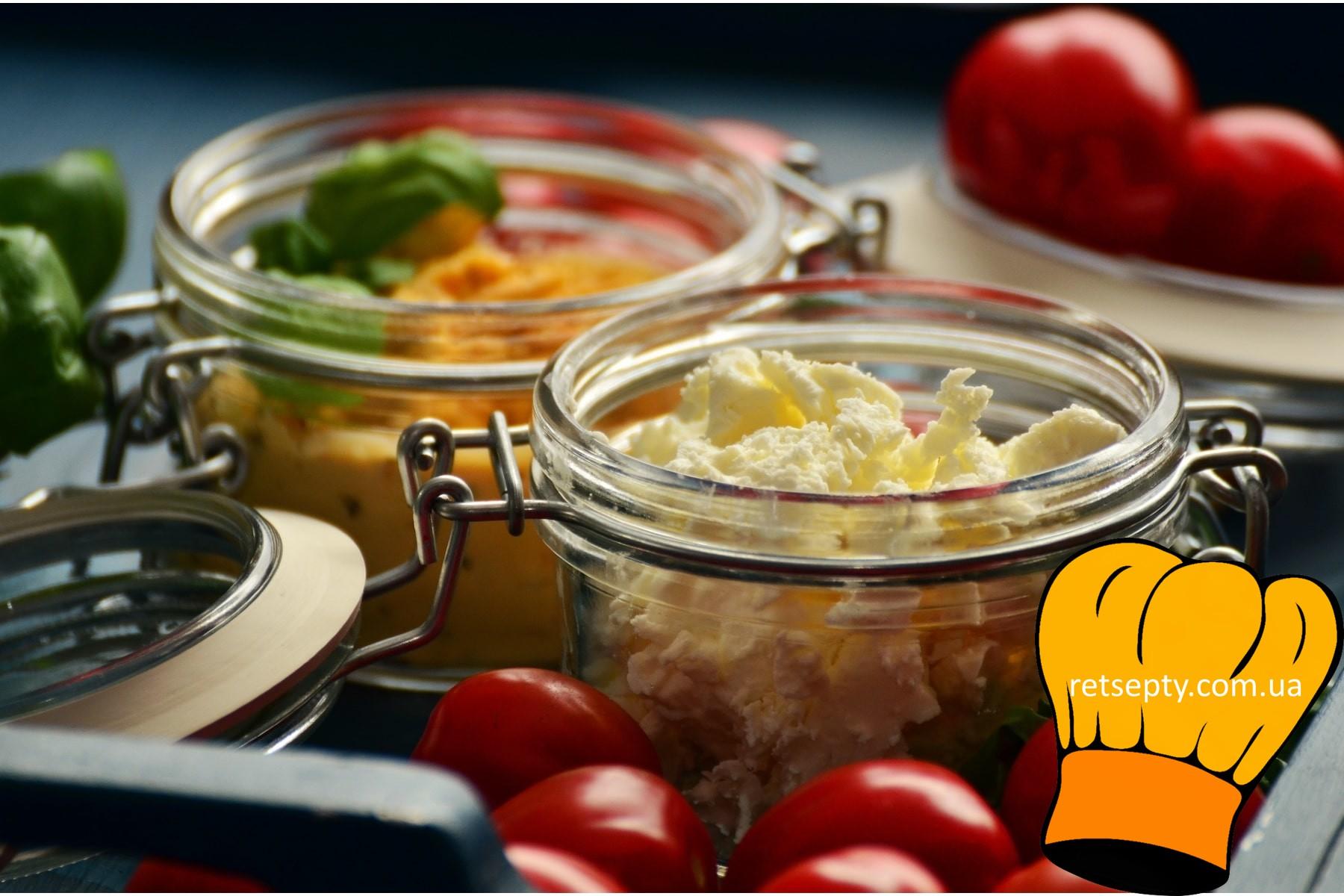 Салат з сиру, крашанок та часнику