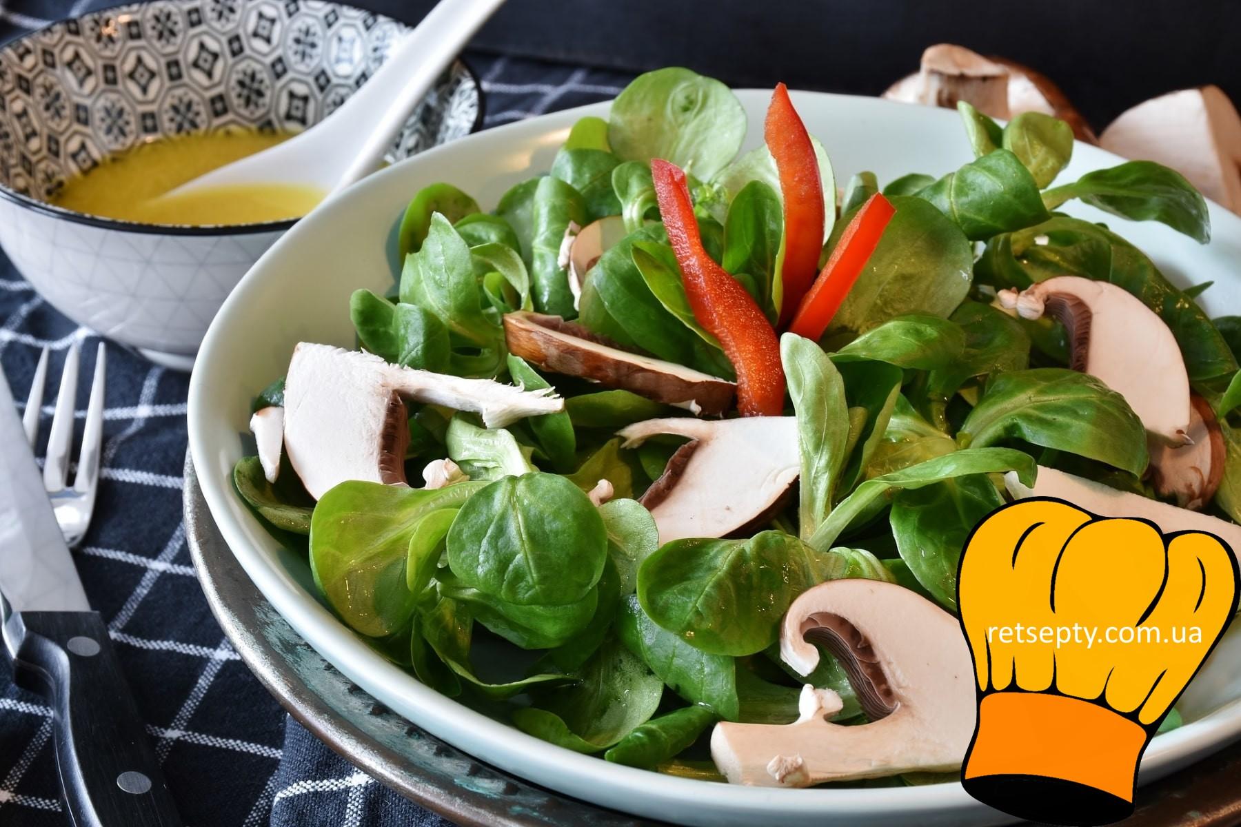 Салат з грибами та китайською капустою