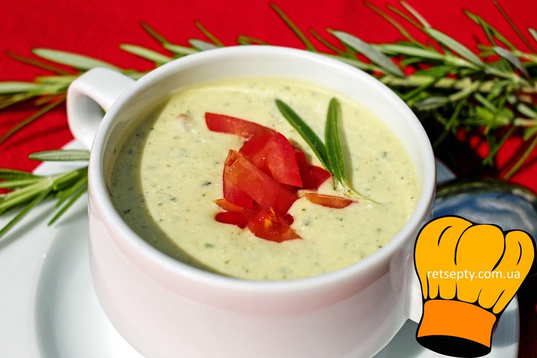 Огірково-часниковий тонізуючий суп на кефірі з горіхами